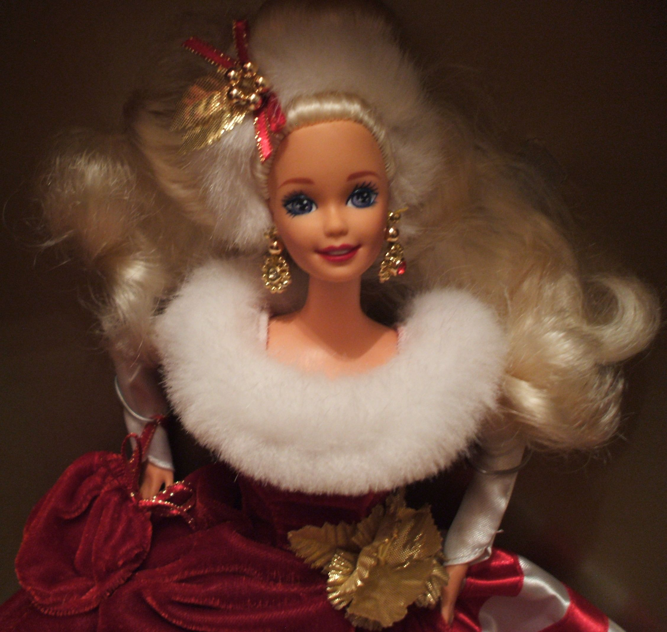 JUMPER BARBIE DOLL HOLIDAY SISTERS RED VELVET WHITE FAUX FUR PLAID BOW ACCESSORY